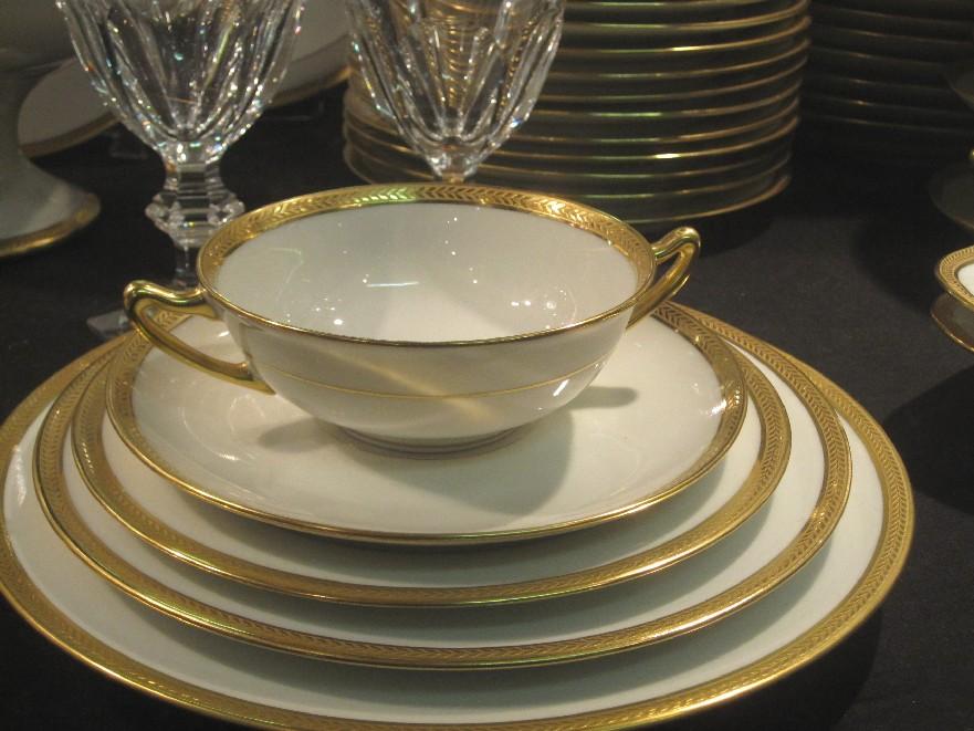 155 pi ces vignaud porcelaine catalogue cristal de france nicolas giovannoni. Black Bedroom Furniture Sets. Home Design Ideas